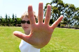 neuropathy woman hands
